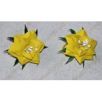 Желтые цветочки на резинках