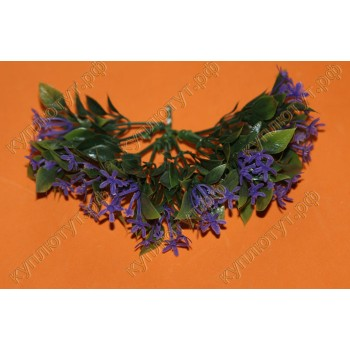 Зелень с фиолетовыми цветочками декор