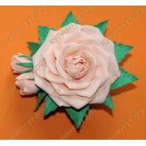 Персиковая роза на зажиме