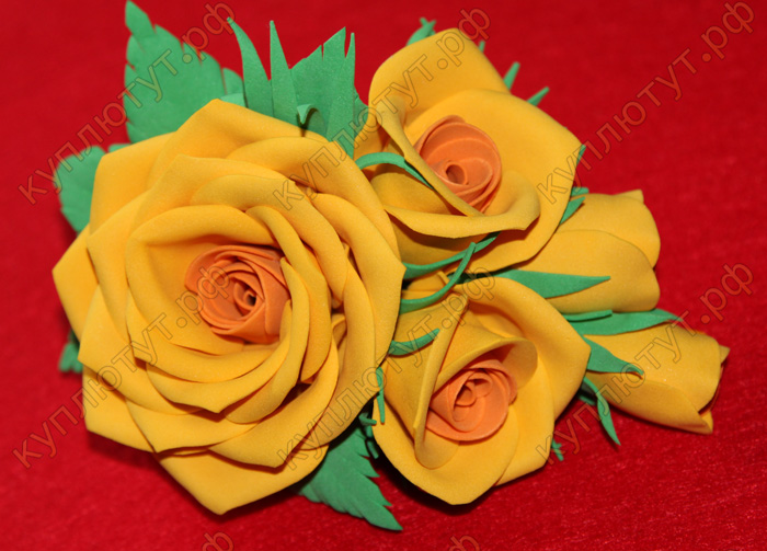 Желтые розы на зажиме 12см
