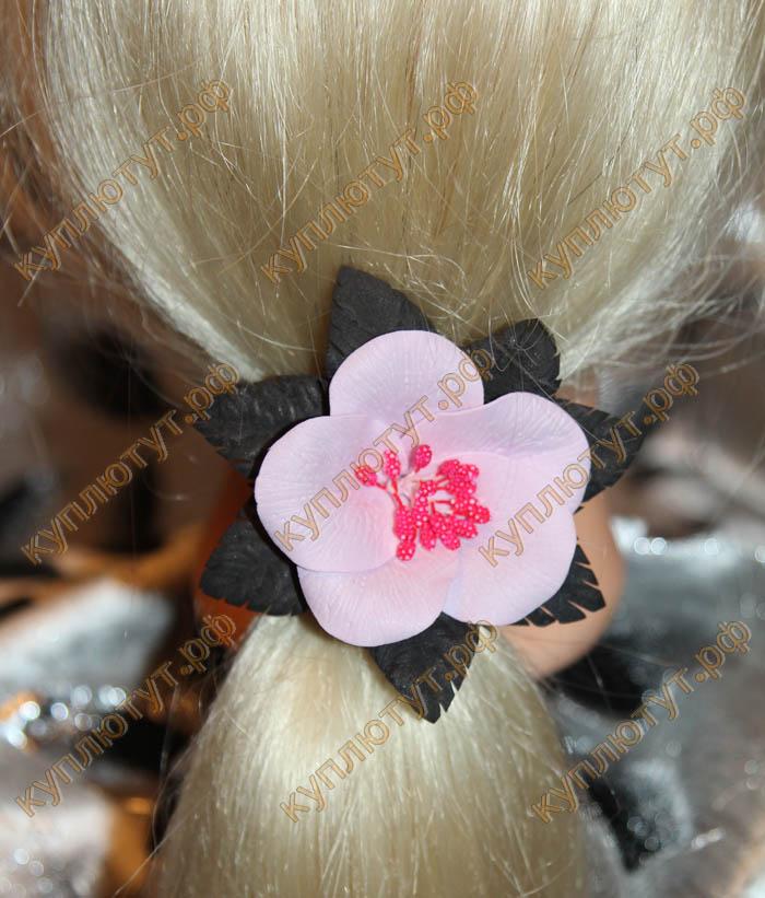 """""""Розовый цветок с черными листьями"""" на резинке, 1шт."""