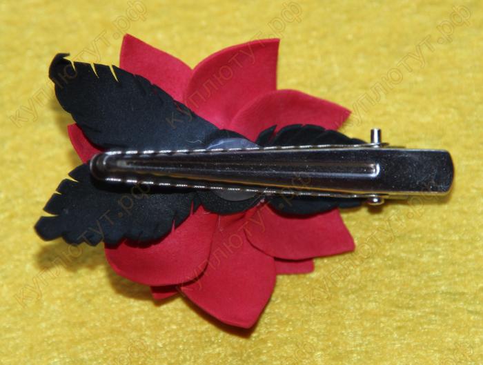 Красный цветок с черными листьями на зажиме 6см